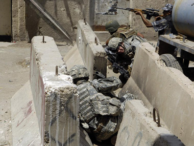 jersey_barriers_used_by_soldiers.jpg